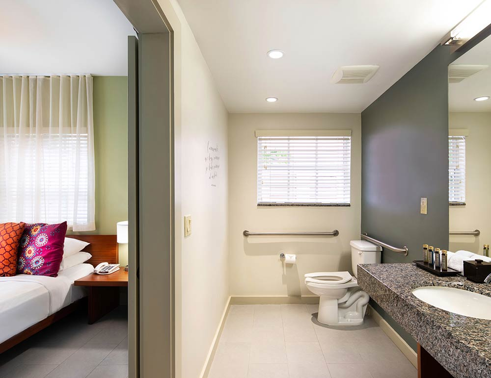 Standard Accessible Queen Room
